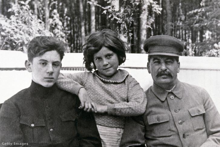 hogyan kezelte Sztálin a pikkelysmr
